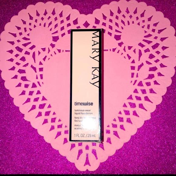 Mary Kay timewise luminous liquid foundation